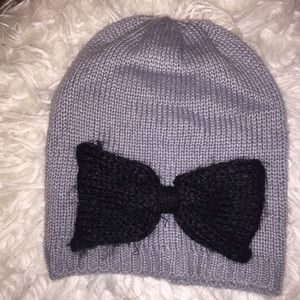 NWOT Jessica Simpson bow detailed beanie